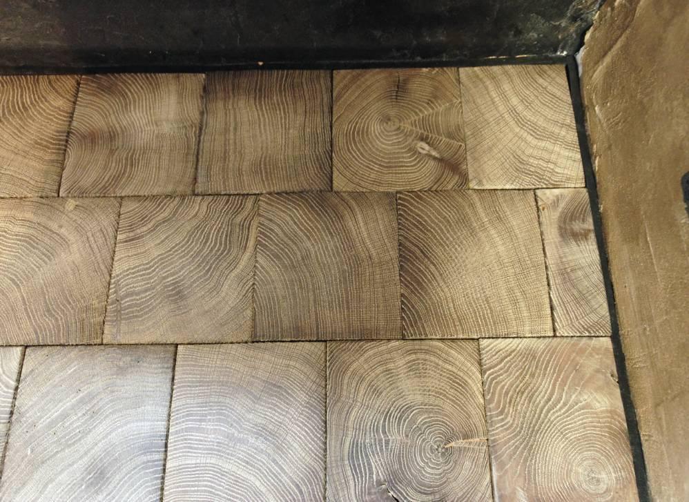 Пол из торцевых спилов дерева